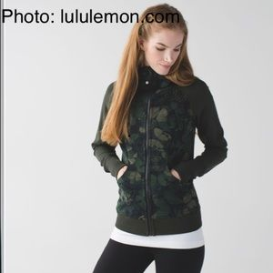 Lululemon Scuba Butterfly Fatigue Hoodie size 6